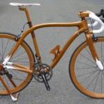 bicicleta de carreras en madera